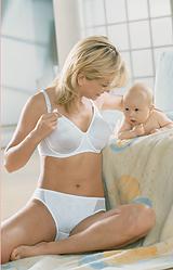 AKCIA kojenecká podprsenka s kosticou 5035